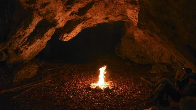 Arheolozi u Indoneziji otkrili najstariji pećinski prikaz lova