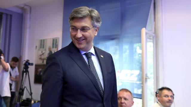 """Plenković na završnoj konferenciji na temu """"Ponosna, sigurna i utjecajna Hrvatska"""""""