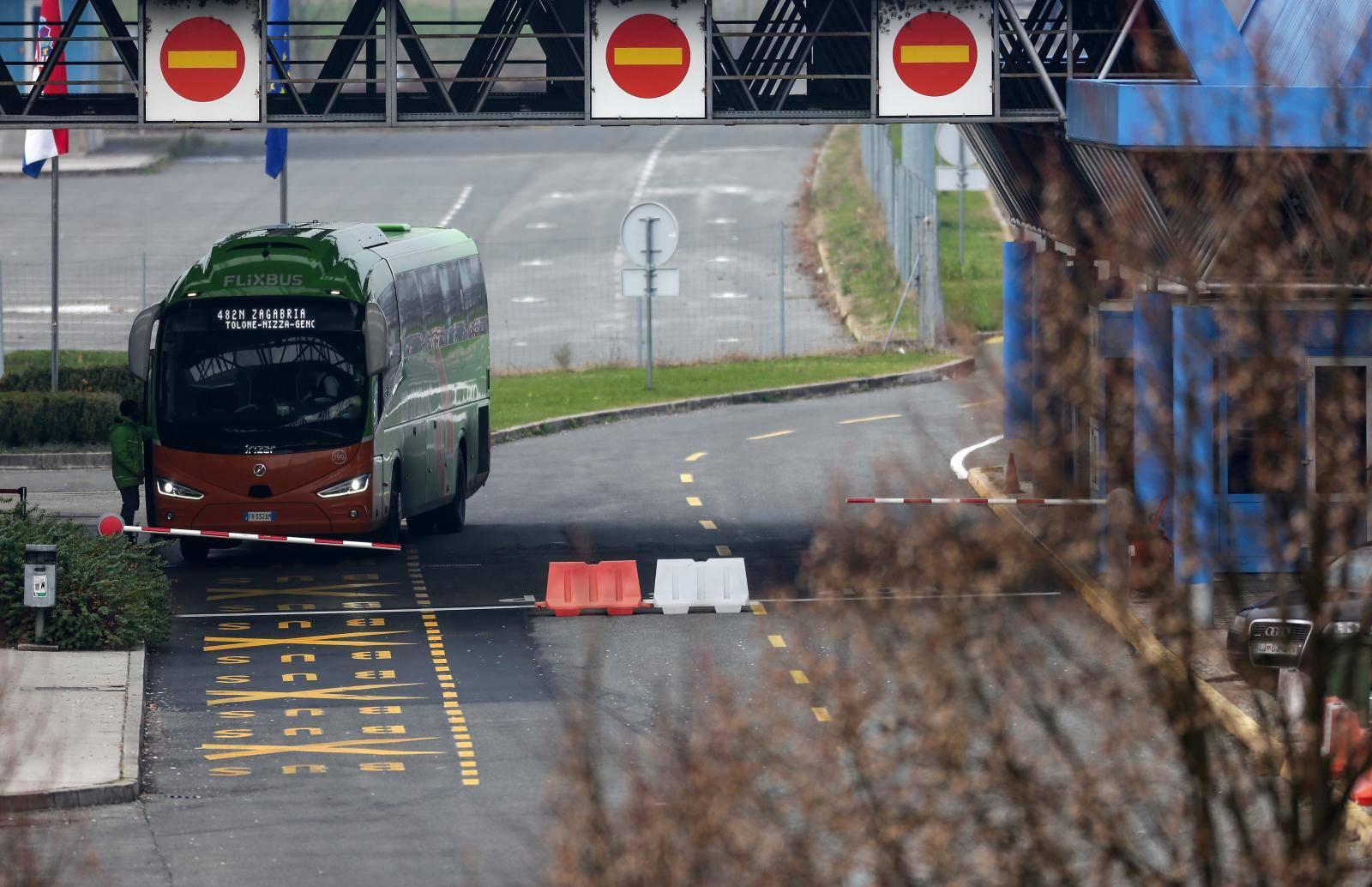 Zatvoren granični prijelaz Bregana bog sumnje na eksplozivnu napravu u autobusu