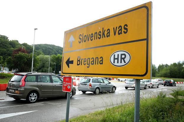 Gužva na malom graničnom prijelazu Bregana - Obrežje