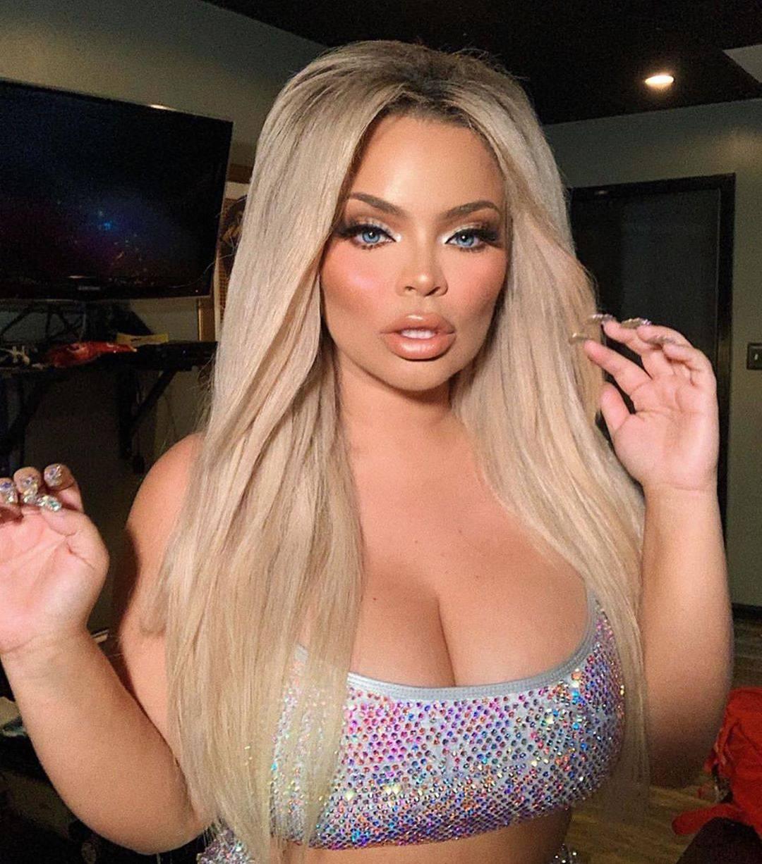 Youtuberica šokirala: 'Osjećam se muževno, transrodna sam'