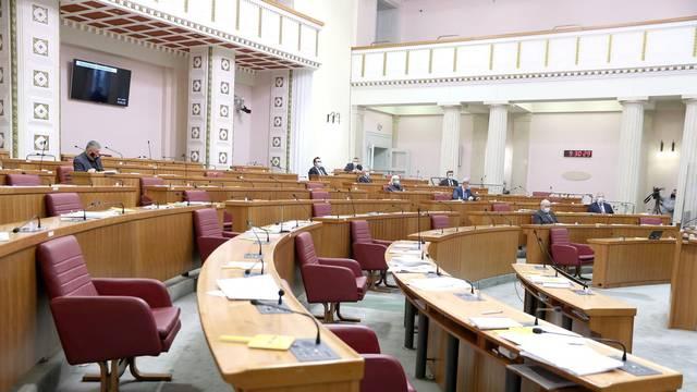 Zagreb: Nastavljena sjednica izjašnjavanjem o amandmanima podnesenim na Ovršni zakon