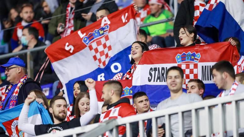 Sa sjevera odjekivalo: 'Hoćemo stadion', a u novinarskoj loži - Francuzi vrijedni milijardu eura