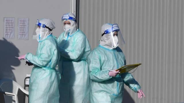 Pojačana testiranja na COVID-19 ispred šbenske opće bolnice