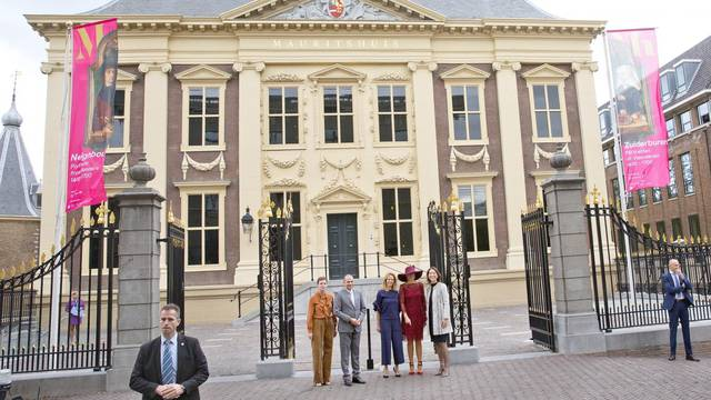 Queen Máxima opens exhibition Tien Topstukken