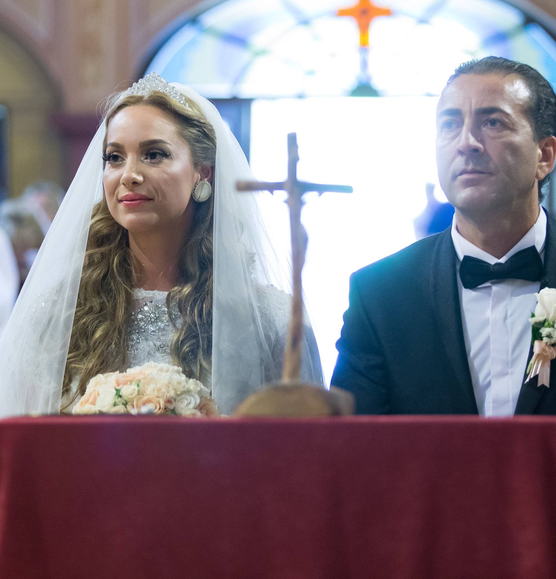 Simona na vjenčanju plakala od sreće: U brak ulazimo u čistoći