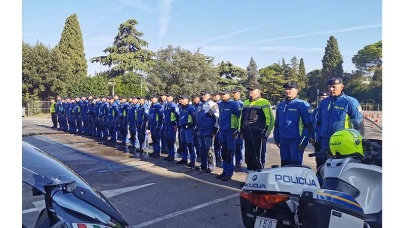 Na memorijalu Šime Buzov se okupilo 40-ak policajaca