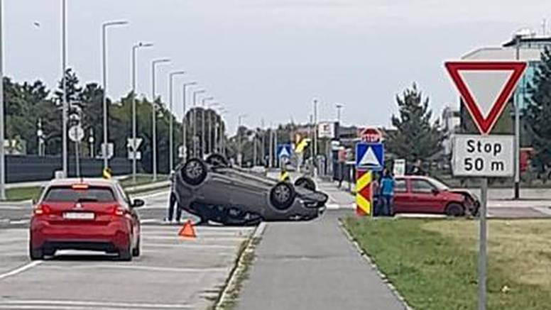 Sudar u Velikoj Gorici, jedan automobil je zavrio na krovu