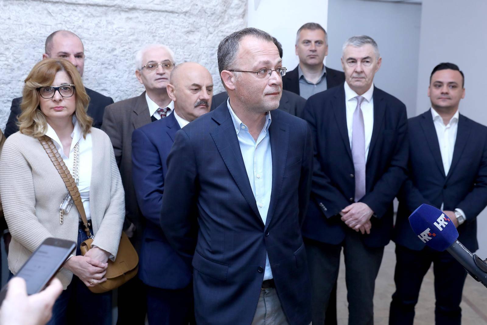Zagreb: Neovisni za Hrvatsku predstavili svoje kandidate za EU parlament