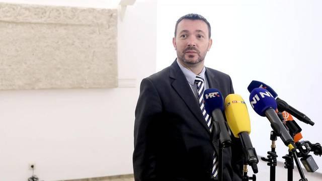 Zagreb: Arsen Bauk komentirao uvođenje aplikacije za praćenje kontakata tijekom pandemije