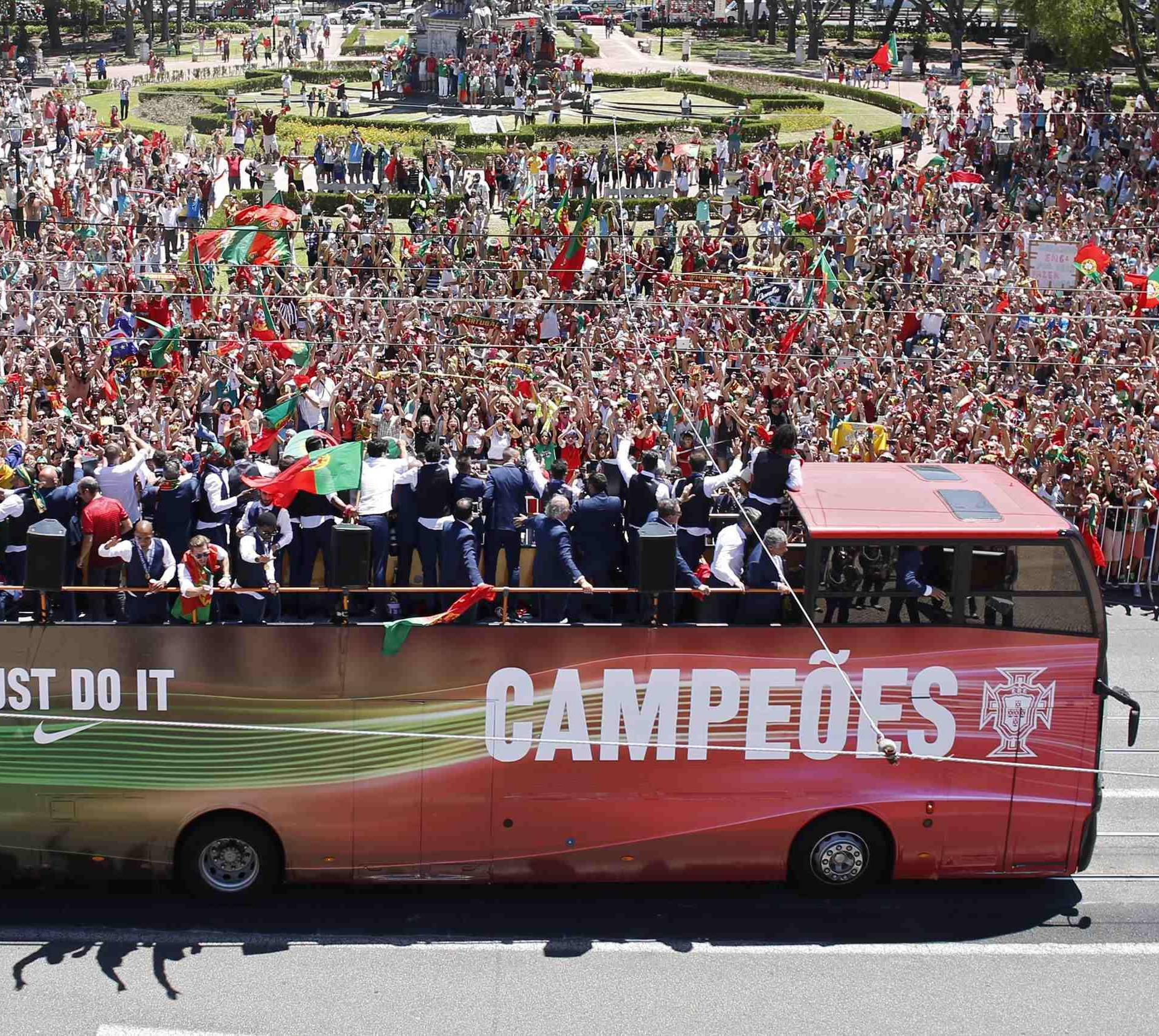 Portugal EURO 2016 team ride in open bus on their return to Lisbon