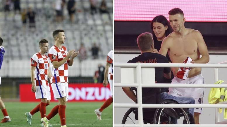Divna gesta Perišića: Poklonio je dres navijaču u kolicima...