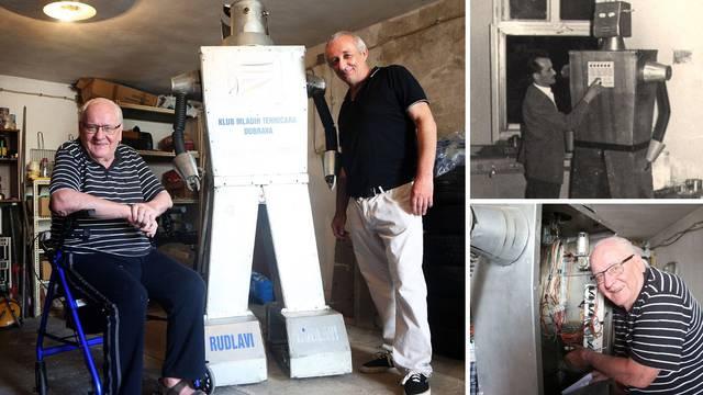 Prvi hrvatski robot sreo 'tatu' nakon 60 godina: 'Kakav dar!'