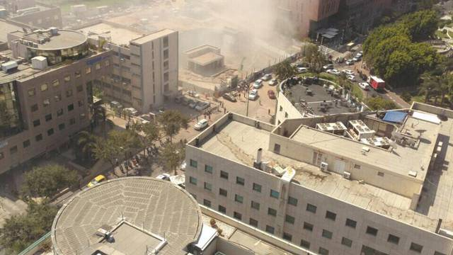 Osam ljudi zarobljeno je u urušenoj zgradi kod Napulja