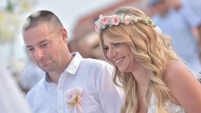 Vatroslav i Valentina u šoku: Na svadbi su nam ukrali novac