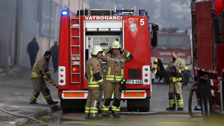 BiH: U požaru stradao muškarac (63),  izgorjele su dvije kuće