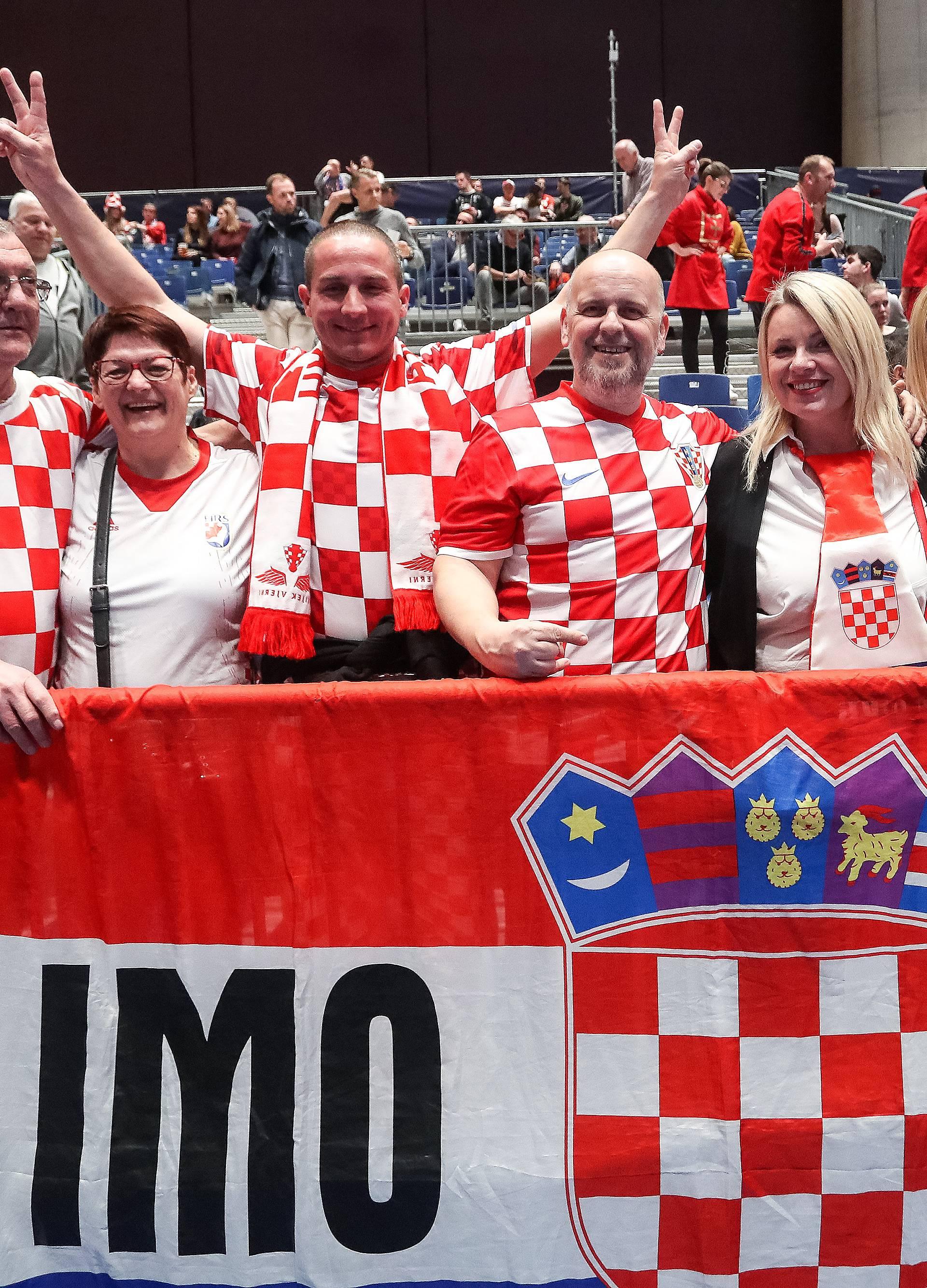 U boj, u boj: Podrška navijača u Grazu kao da smo u Hrvatskoj!