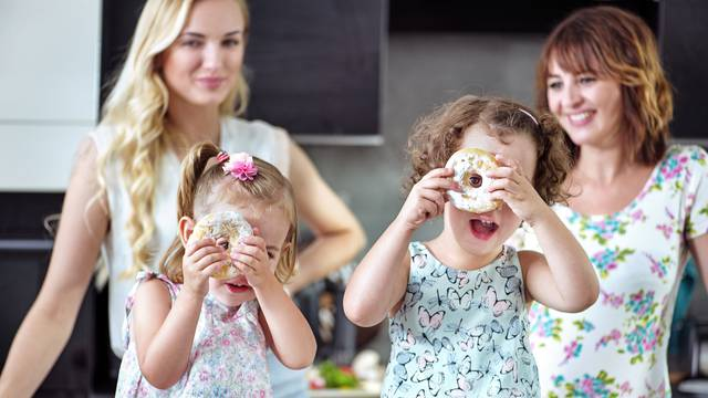 Ograničite djeci slatko na 100 kalorija na dan, ističu liječnici