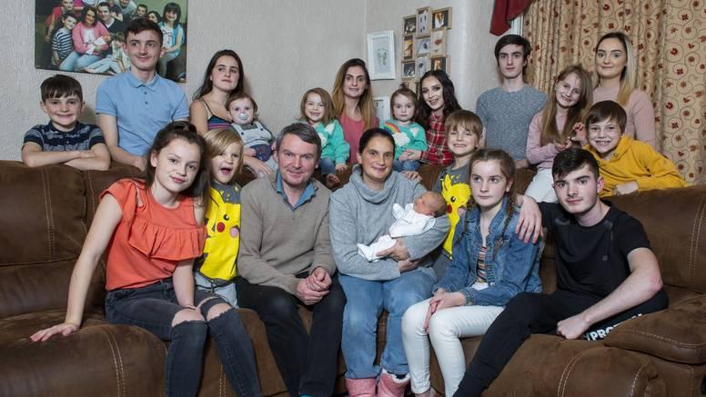 Roditelji 22 djece već su počeli zamotavati poklone za Božić
