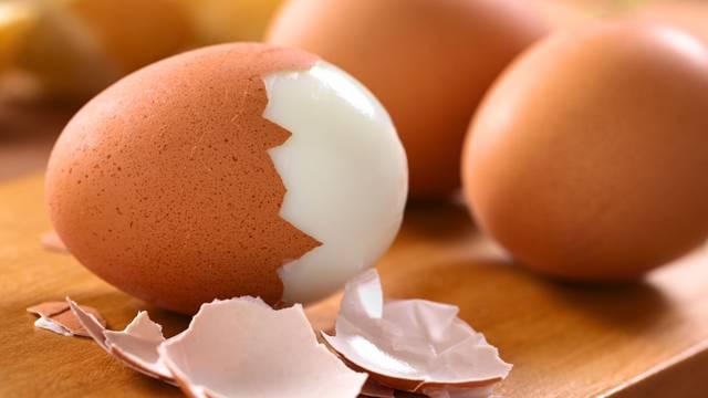 Uz ovaj jednostavan trik ogulit ćete kuhano jaje za 8 sekundi