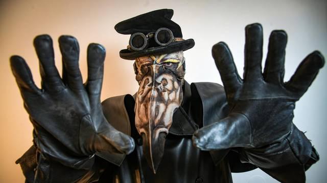 Do najsitnijeg detalja: Ovako se radi 'profi' maska za Halloween