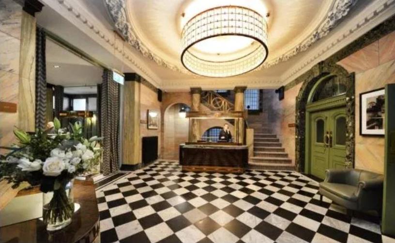 Medicinsko osoblje besplatno je živjelo u luksuzu, Neville i Giggs sada traže 25.000 funti najma