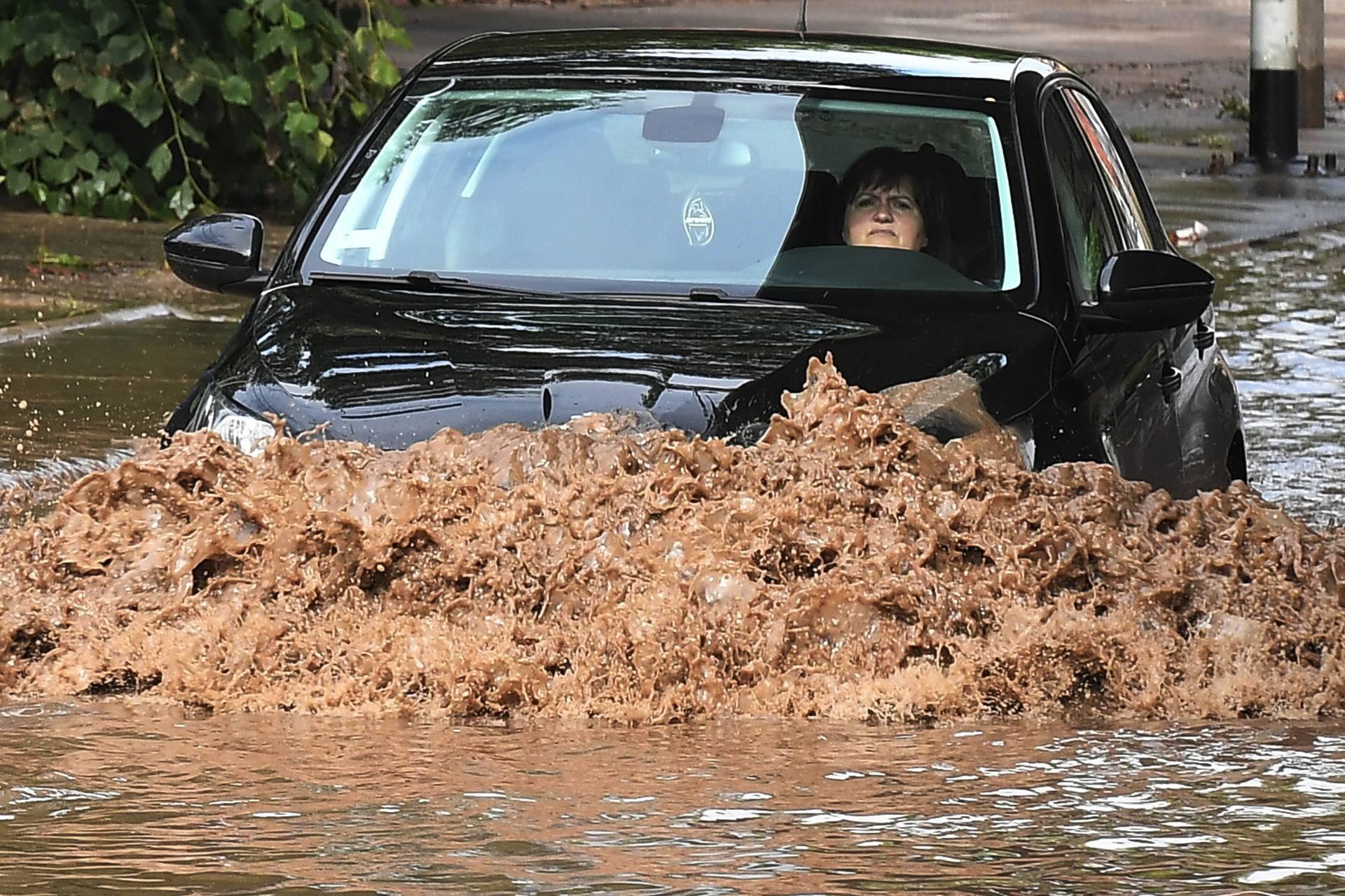 Beograd pod vodom: U par sati palo kiše kao za mjesec dana