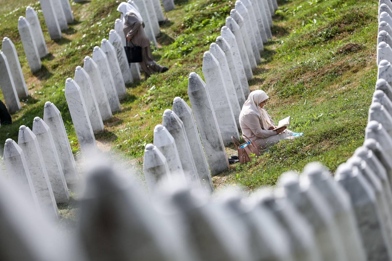 Obitelji ubijenih u Srebrenici prisjećaju se svojih najmilijih