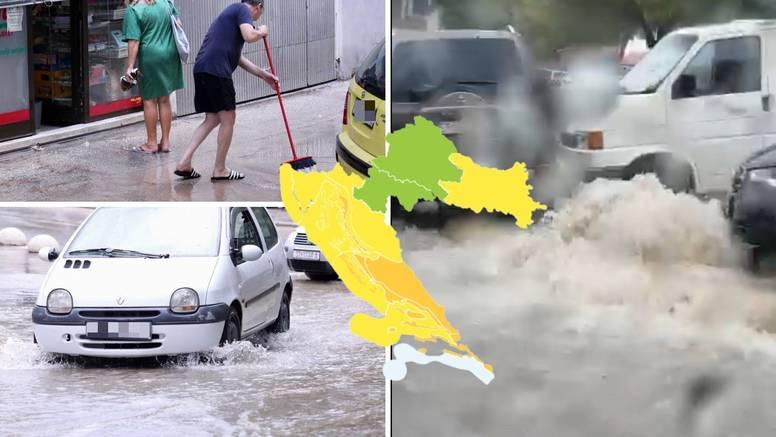 VIDEO Kaos u Splitu: Kiša u sat vremena potopila grad, a za subotu najavili narančasti alarm