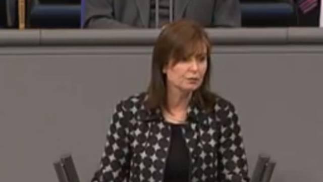 Zastupnica Bundestaga 30 godina lagala da ima diplomu
