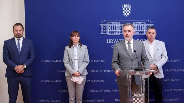 Zagreb: Predsjednik Domovinskog pokreta Miroslav Škoro održao u Saboru konferenciju