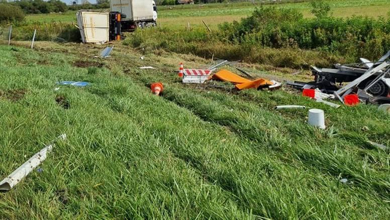 Kamion se zabio u vozilo HAC-a: 'Bili smo na sekunde od smrti'