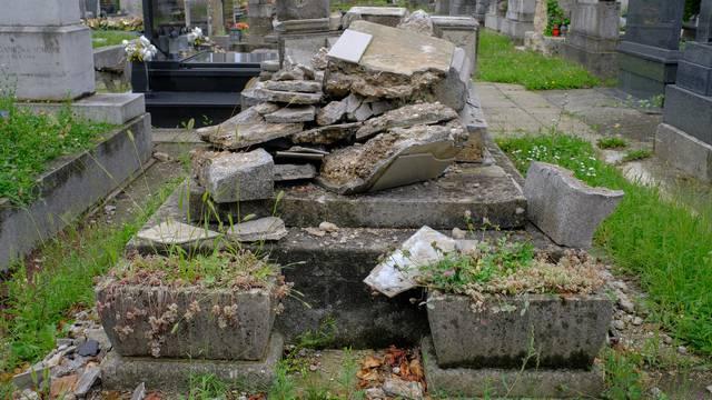 Zagreb: Mnogo nadgrobnih spomenika oštećenih u potresu još nije obnovljeno
