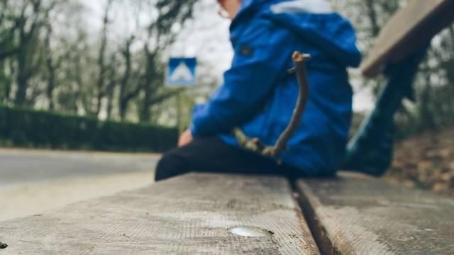 Pomozite previše sramežljivom djetetu u sedam mudrih koraka