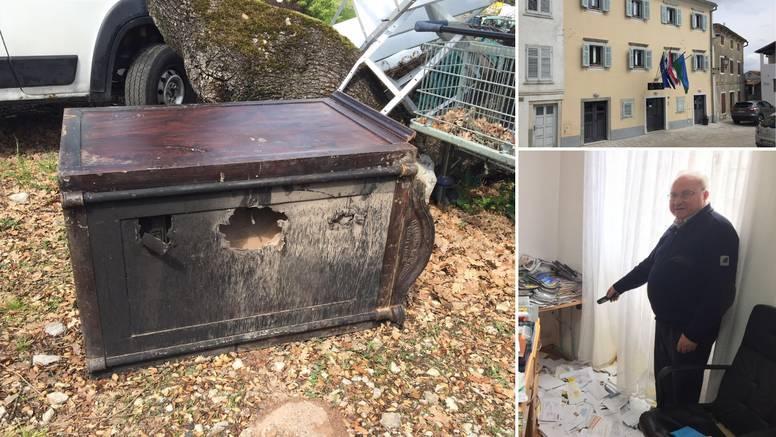 Svećeniku zapalili auto, ukrali misno vino i sef s relikvijama