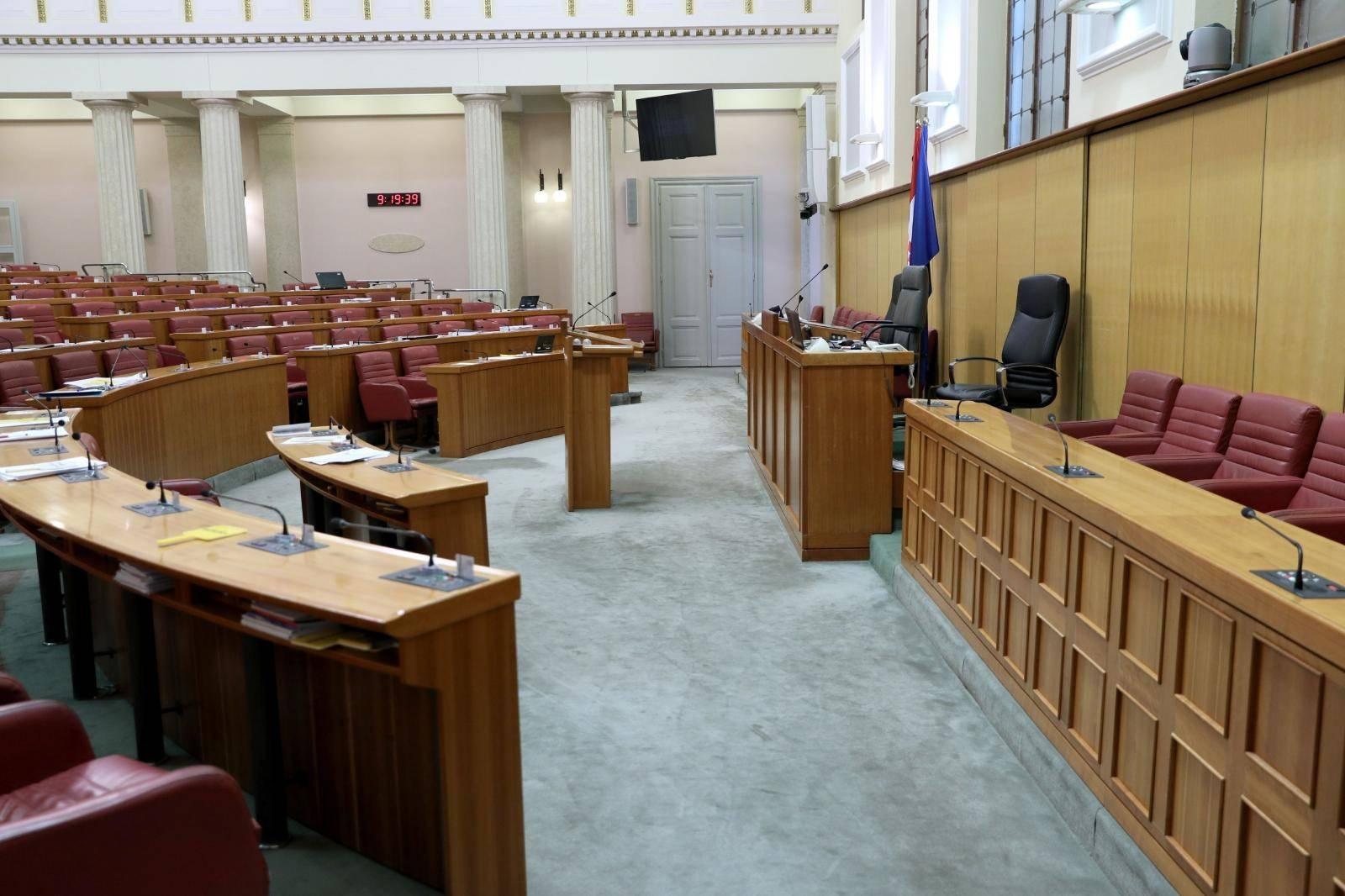 Zagreb: Sabornica prazna namanje mjesec dana, zastupnici idu na odmor