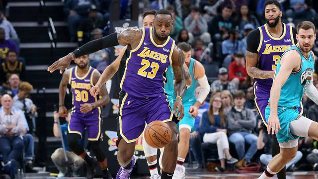 FILE PHOTO: NBA: Los Angeles Lakers at Memphis Grizzlies