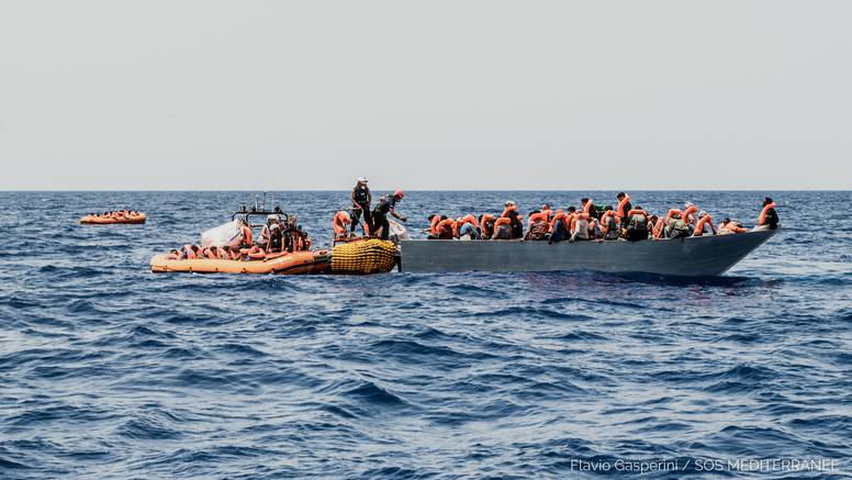 Francuski ribari spasili 40 migranata u La Mancheu