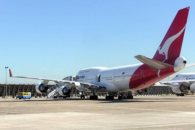 Evakuirali avion nakon što se kabina počela puniti dimom