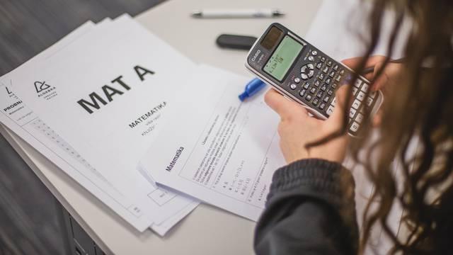 Matematika opet loša: Jedva su spremni za državnu maturu!