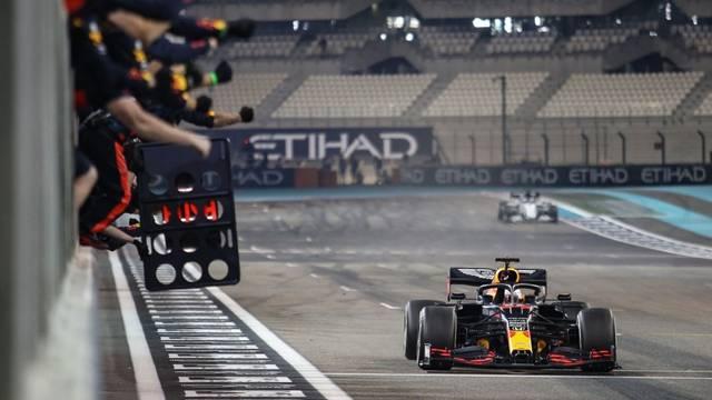 Verstappen slavio u posljednjoj utrci sezone ispred 2 Mercedesa