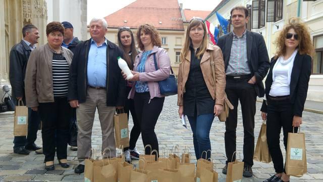 Mljekari Vladi podijelili mlijeko, Romić: Branim vaše interese