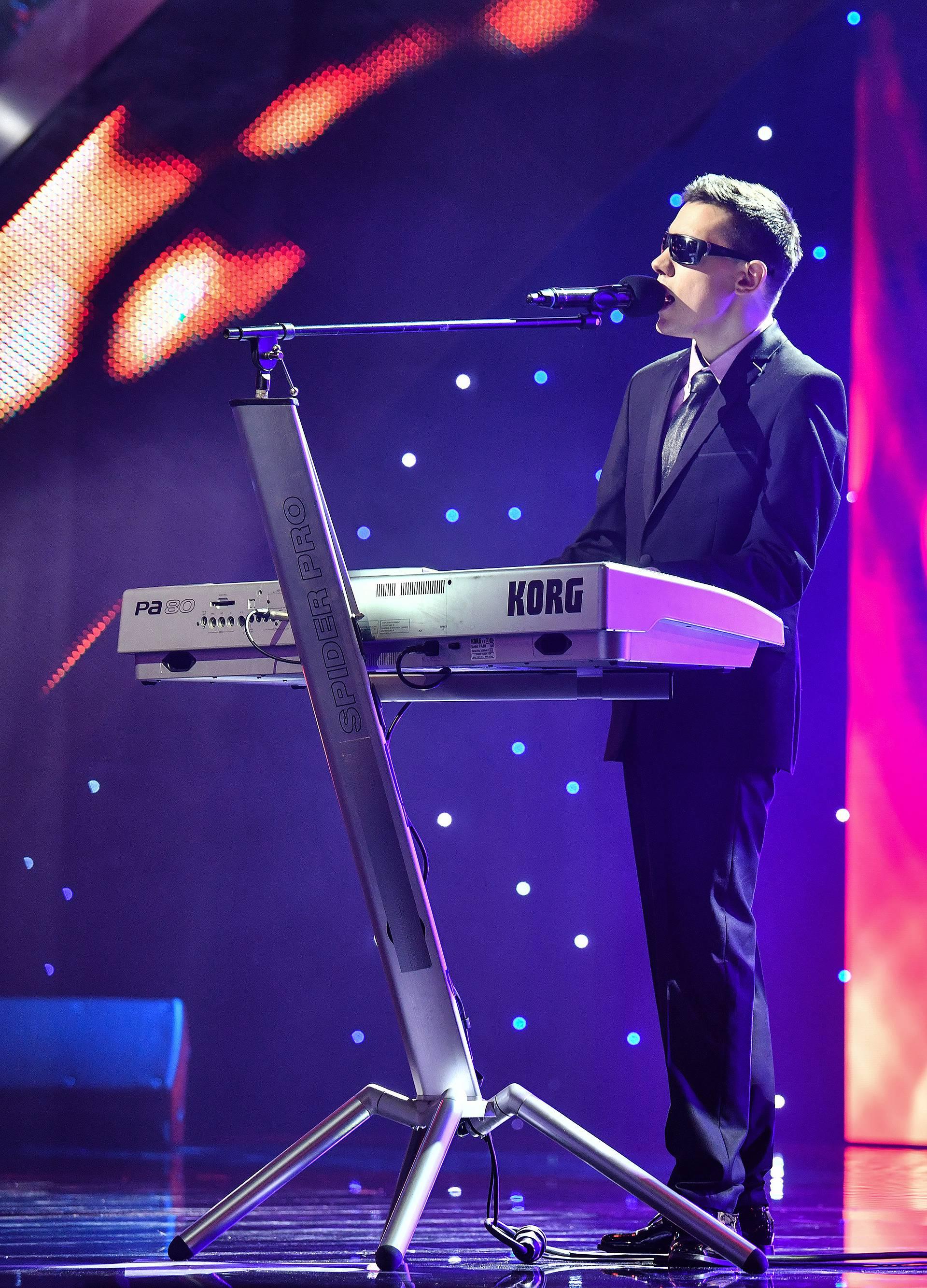 Denis Barta osvojio je publiku: Pjevač pobjednik Supertalenta