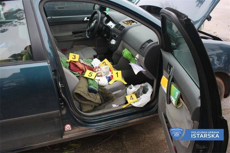Pronašli joj marihuanu u autu: Prodavala je kupcima u Umagu