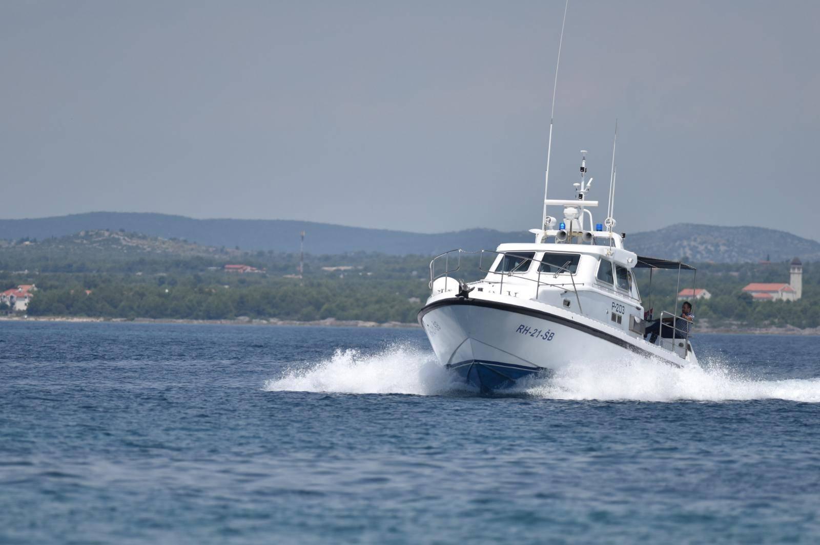 Šibenik: Ophodnja pomorske policije u šibenskom akvatoriju