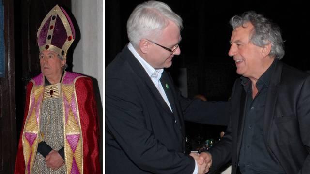 Pravio show u Istri: Odjeven u biskupa blagoslovio Josipovića