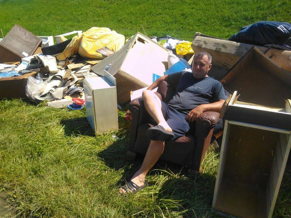 'Ovo je 'ured' Tihomira Blagusa koji stoluje u vlastitom otpadu'