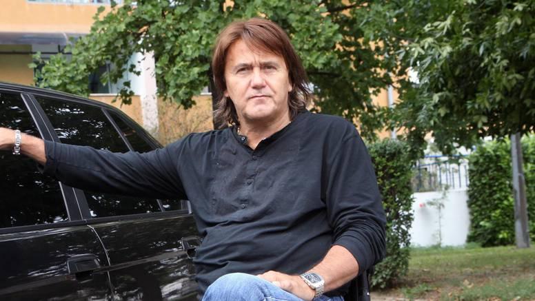 Slomljeni Zdravko Škender na fejsu se oprašta od sina (38)