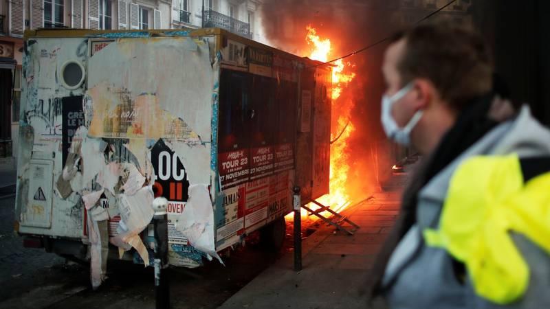 Francuzi prosvjedovali protiv policije: Više od 80 uhićenih
