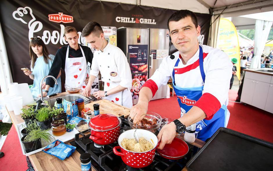 Chill&Grill: Dođite, uživajte i probajte meso s ananasom...